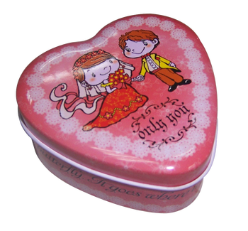 Lovely heart shape tin box