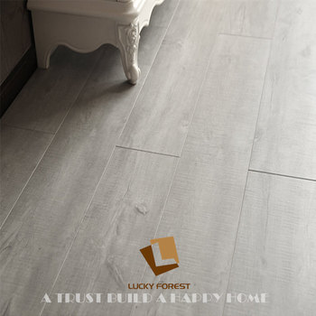 Grey Oak 8mm German Design V Groove Laminate Flooring For Bedroom