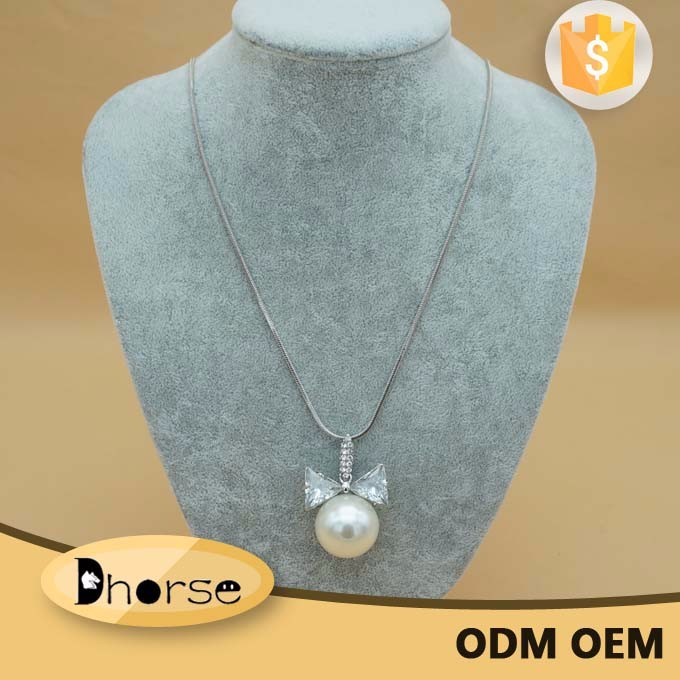 Wholesale high quality jewelry fashion decorative bulk pearls necklaces