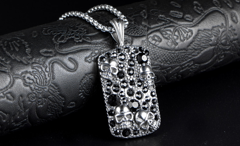 European and American personality necklace skull head wholesale charms 40 diamond square pendant necklace
