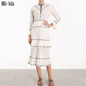 19 Years Zimm white small fragrance strokes stitching lace collar collar long sleeve multi-layer high waist cake dress