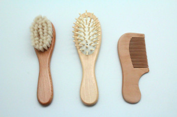 Alibaba Amazon hot selling Newest comfortable goat hair baby brush set,baby brush and comb 3pcs sets