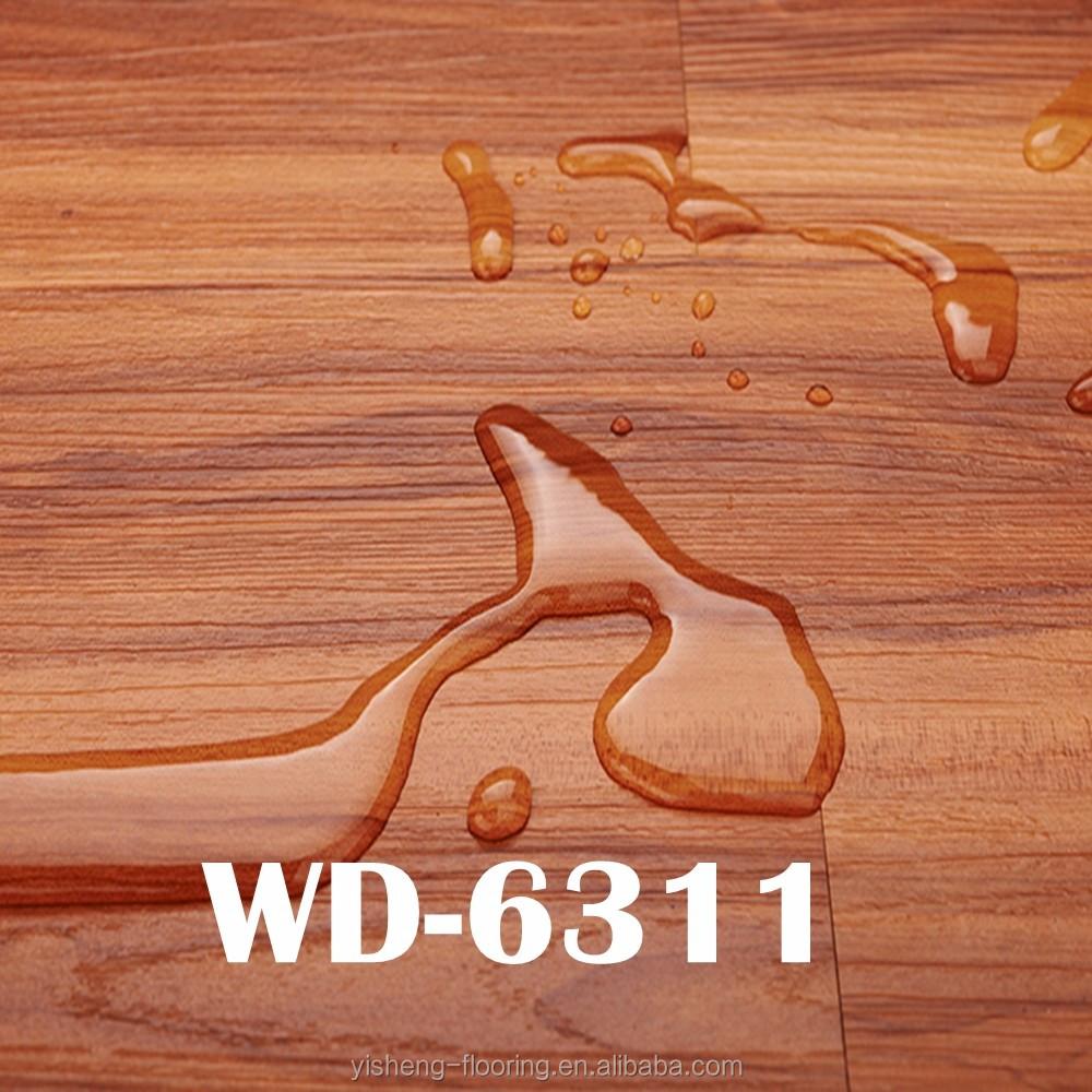 mano raspada pisos de madera mirada bao baldosas de vinilo