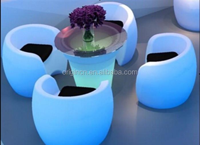 En Forma De Huevo Dubai Iluminado Café Y Bar Patio Jardín Silla ...