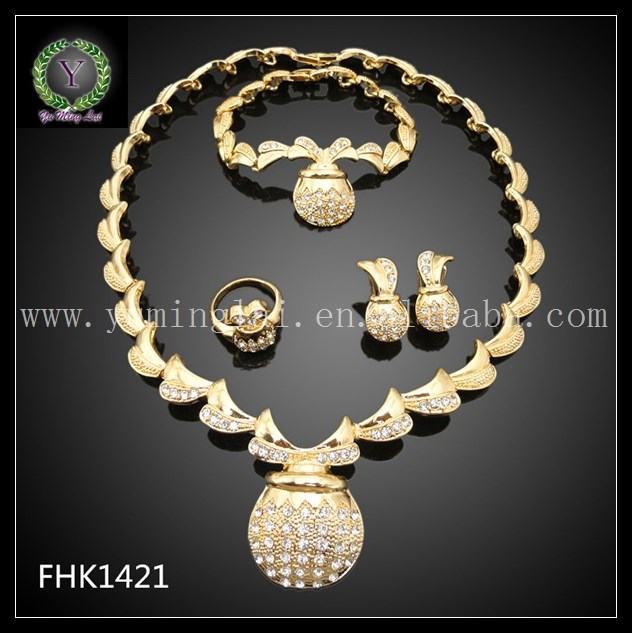 Engagement party design graceful white Crystal gold plated jewlry set FHK1421