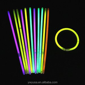 China Alibaba hot sell bracelet glow in the dark stick