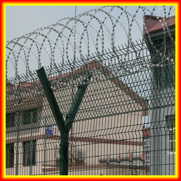 BTO 30 razor babred wire used in prison or airport or military fence