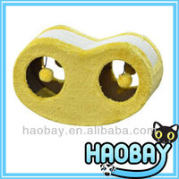 Funny Yellow Cat Scratcher Board With Two Balls Toy