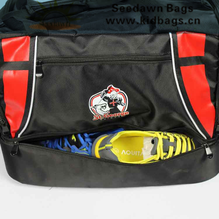 Foam Lining Shoes Bottom Section Football Teams Duffle Sports Bag with Teams Clubs Badge Printing
