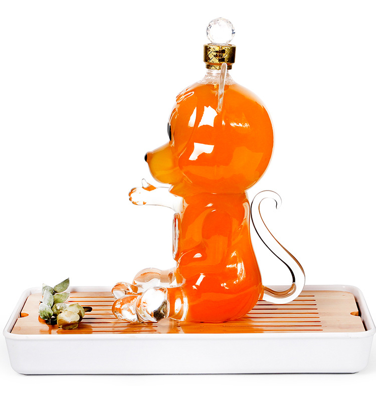 mouse-shaped-decanter.jpg