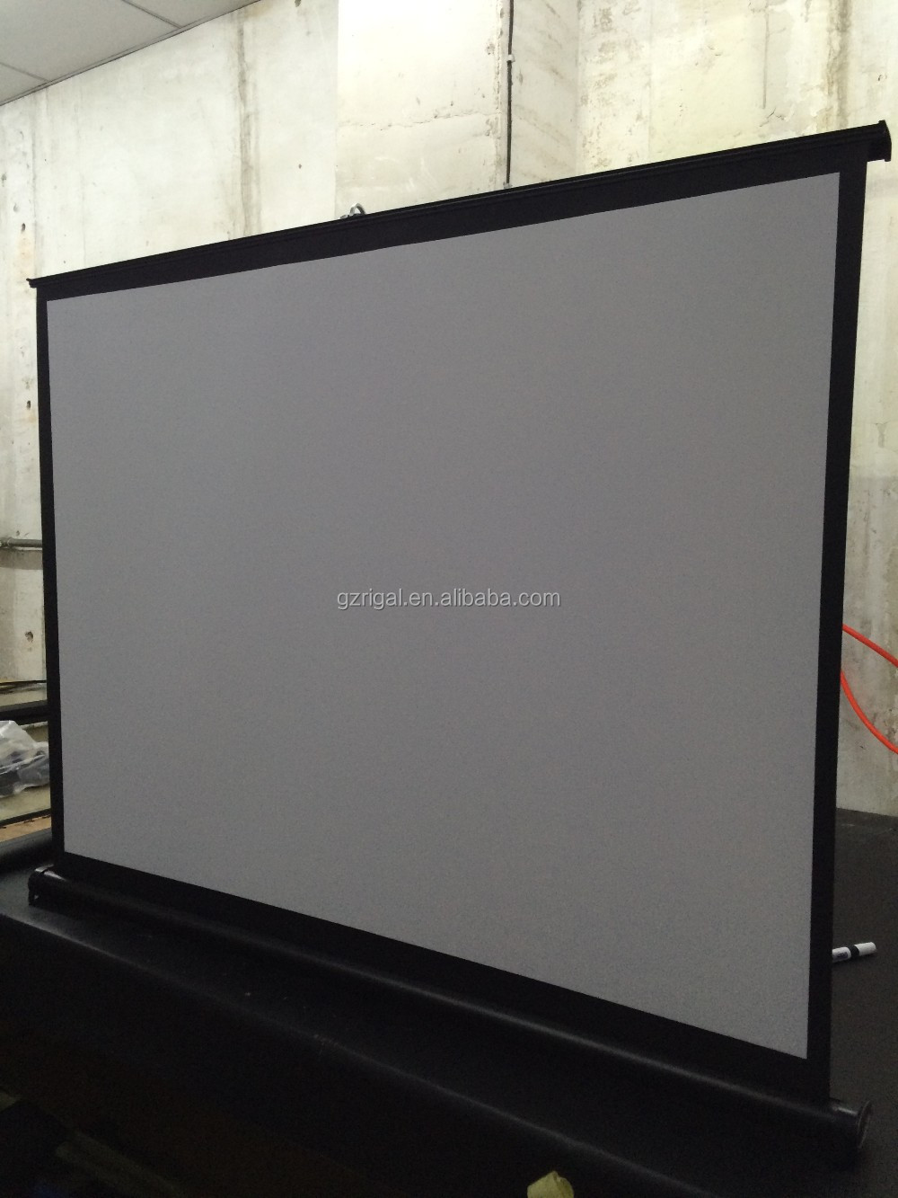 50 Inch Portable Mini Table Projector Screen Folding Screen / Desk Roll Up  Projection Screen