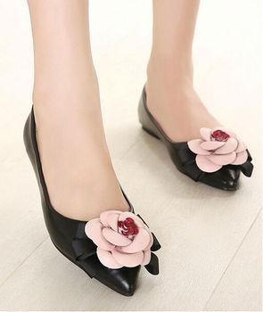 Beautiful Girls Big Flower Decorated Flats Shoes Closed Toe Nice ...