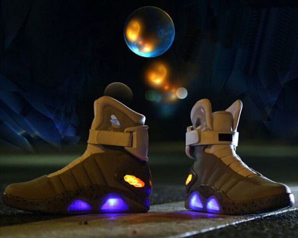 Stylish LED glowing USB charge basketball shoes for men 2015 sneakers with top quality