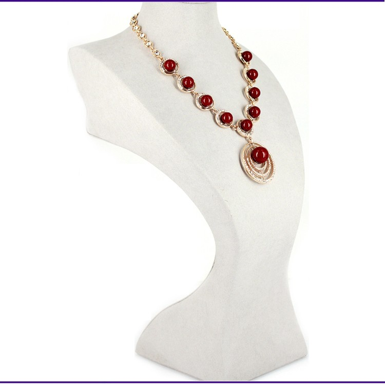 Showy Red Ruby Beads China Necklace Design