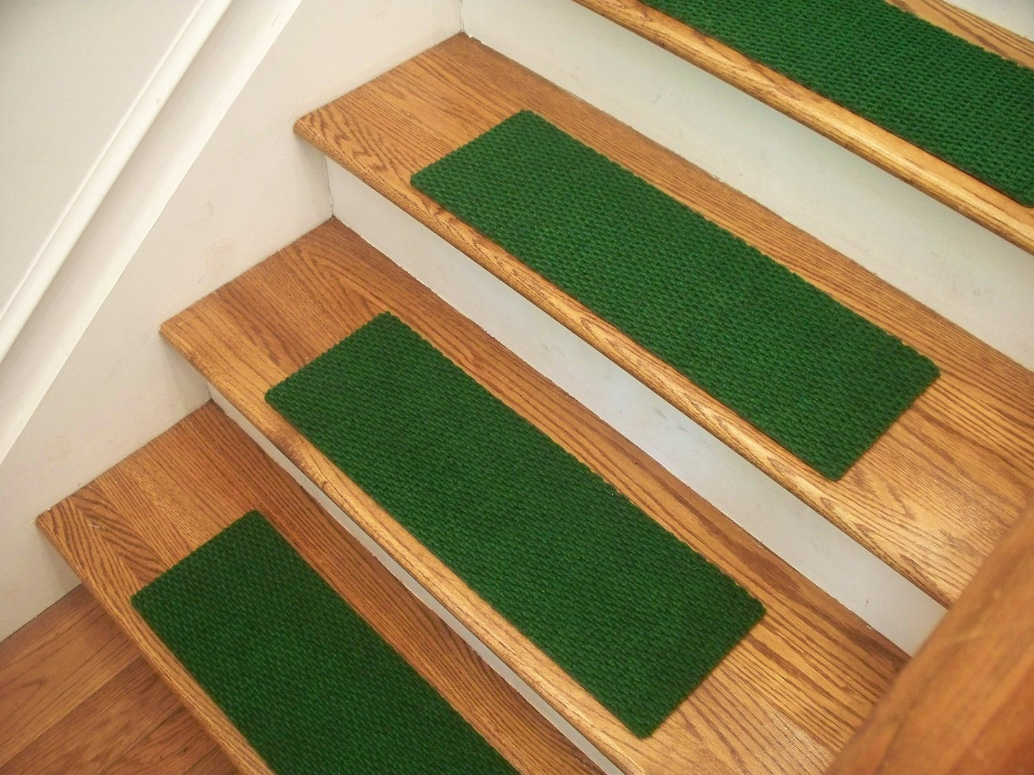 """Essential Carpet Stair Treads - Style: Berber - Color: Golf Green - Size: 24"""" x 8"""" - Set of 4"""
