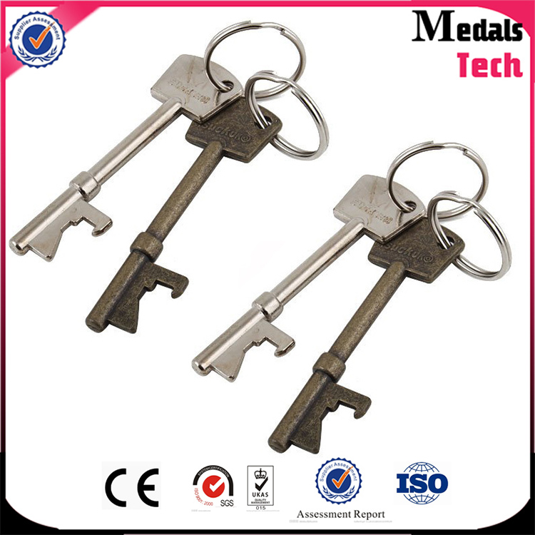 Dongguan decorating IN STOCK metal Christmas key with different color
