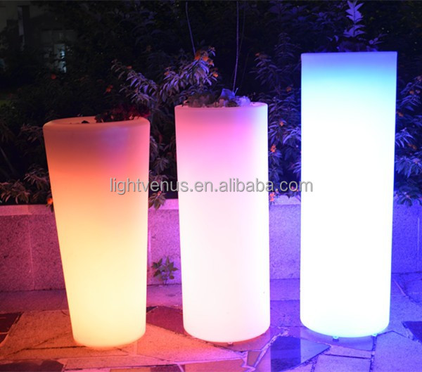 https://sc01.alicdn.com/kf/HTB1OiL_HpXXXXX_aXXXq6xXFXXX7/led-big-flower-pot-cheap-decoration-planter.jpg