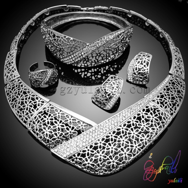 Ukraine silver jewelry set sculptural party jewelry set romantic costume jewelry set