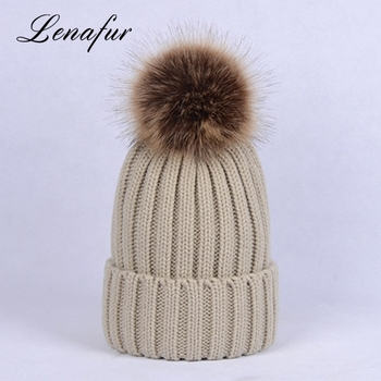 df0b9f46a43f China Factory Wholesale Autumn Winter Knitted Beanie Acrylic Fibres Hats  With Faux Fur Pompom Ball