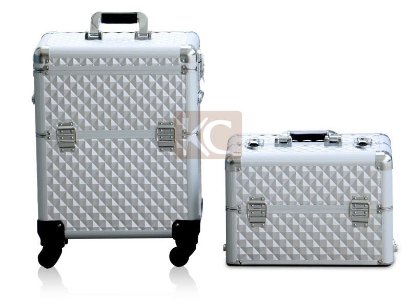 Professional 2 or 3 tiered cosmetic case, inside construction wiht many style