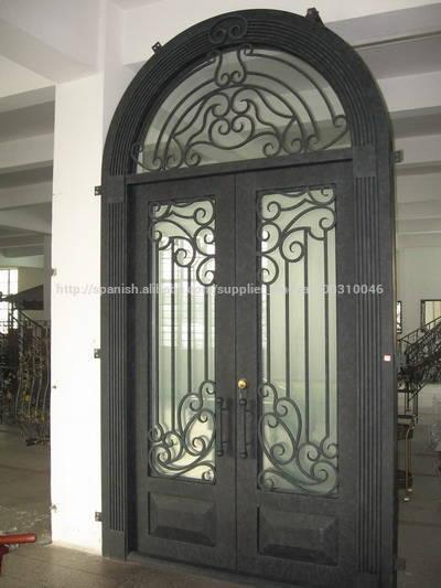 Forjado puerta de entrada de hierro con tansom puertas for Puertas de entrada de hierro