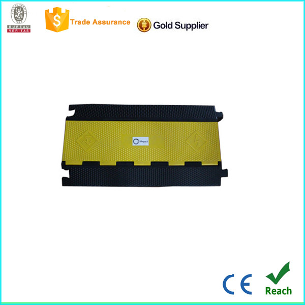 Heavy Loading Capacity Rubber Cable protector Rubber Kerb Ramp