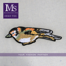 Hot selling polyester iron on wholesale embroidered patches bird lovely