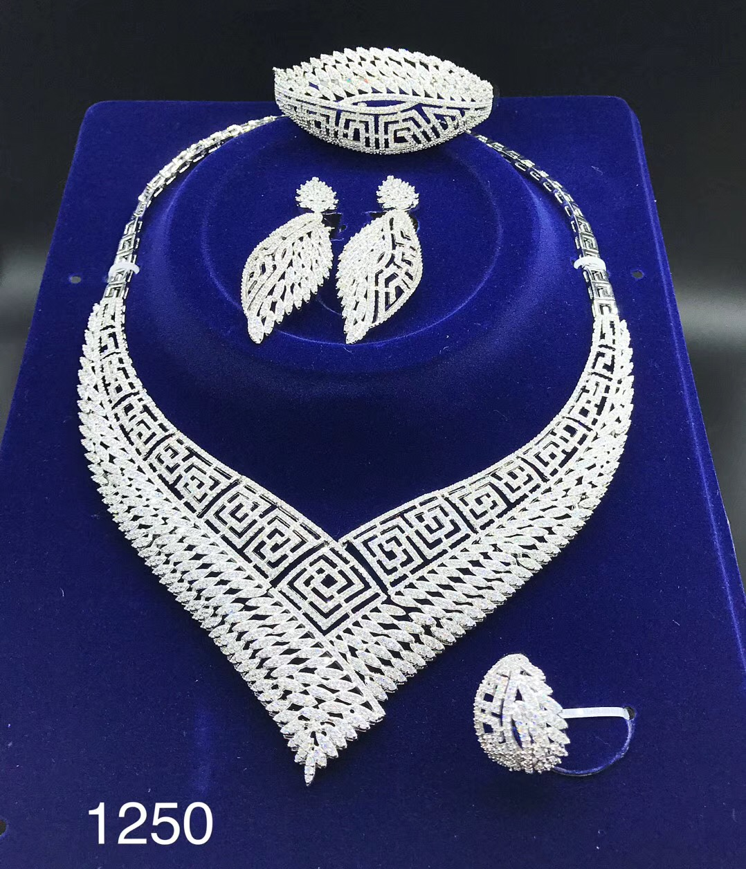 xuping exquisite appearance fashion cubic zirconia jewelry set bridal
