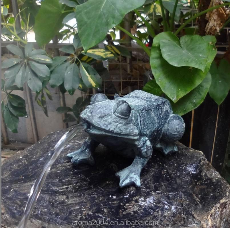 Polyresin Animal Decor Pond Spitter Frog Garden Statues