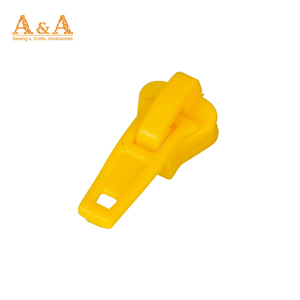 #5 injection molding plastic slider A/L