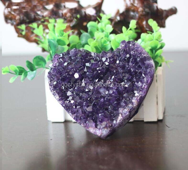 wholesale Natural heart shaped uruguay amethyst stone for wedding souvenir