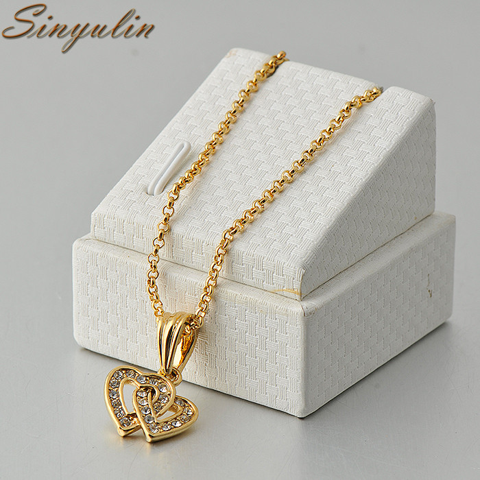 Wholesale Women 18K Gold Color Jewelry White Stone Necklace Set With Heart Pattern Pendant 40030445