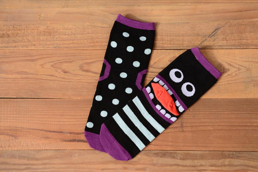 Носки женщины хлопок забавный комикс Dot тонкий размер свободного покроя без костей шва воздухопроницаемый абсорбент носки 5 pairs/lot