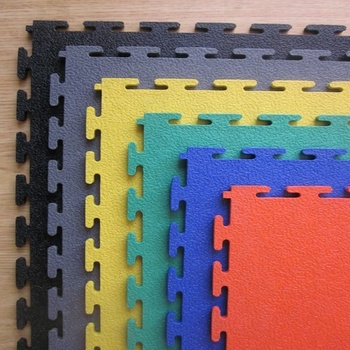 Gym floors interlocking pvc floor tiles and mats for gyms and