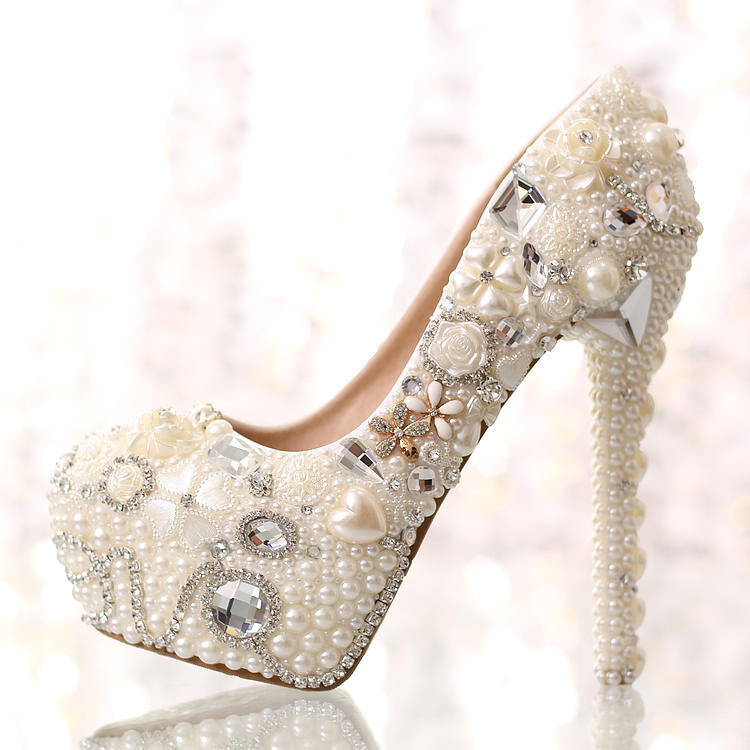 Love pearl diamond wedding shoes waterproof shoes wedding photographs bride Slipper high heels shallow mouth singles shoes