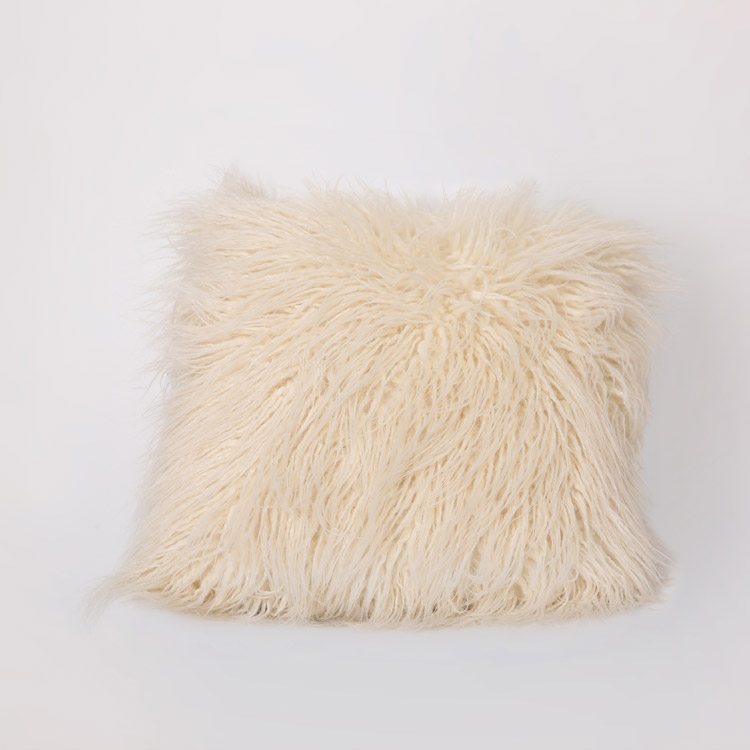 2018 new fashion design home portable 100 polyester faux fur white Christmas sofa cushion