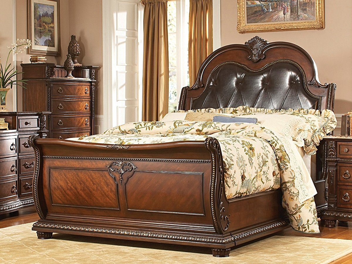 Palace Sleigh Bed Size: Queen