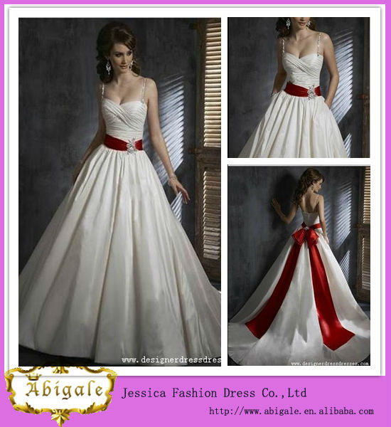 Vestidos de novia con franja rojo