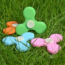New Arrival Fashion Design Custom Silicone Fidget Spinner Silicone finger Spinner