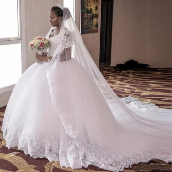 On406 Charming V Neck Ball Gowns Long Train Wedding Dresses Plus Size Bride Bridal