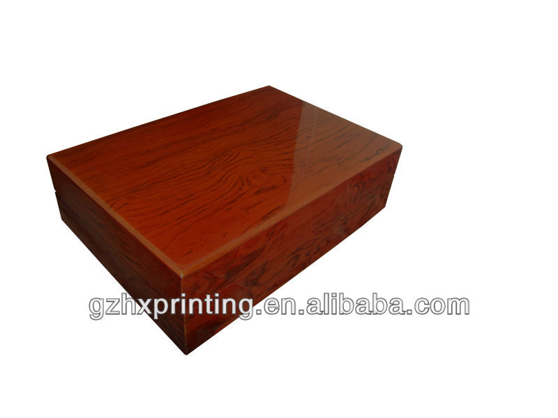 Custom wood grain wooden watch boxes glossy finishing ,watch gift box with link on the back of lid and pocket