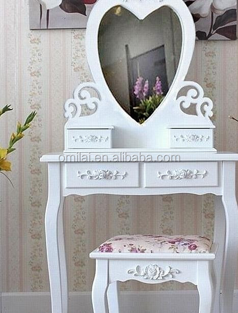 coiffeuse avec en forme de coeur miroir pour chambre commode id de produit 1890928701 french. Black Bedroom Furniture Sets. Home Design Ideas