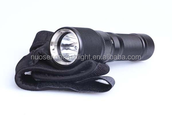 TrustFire DF008 CREE XM-L2 700lm 3-Mode Magnetic Control Switch LED Diving Flashlight (1x26650)