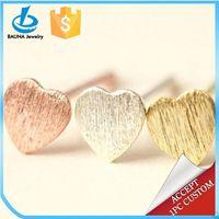 Bauna Tiny Cute Peach Heart Stud Earrings For Women Men Minimalist Decoration Alloy Jewelry Best Friend Gift
