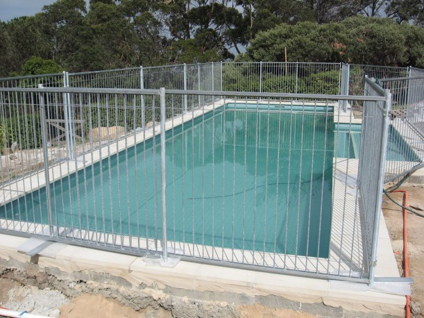 Metal tube temporary swimming pool fence buy pool fence swimming pool fence temporary swimming - Swimming pool fencing options consider ...