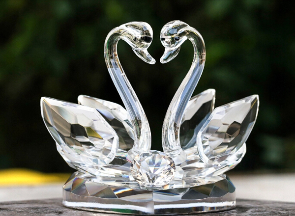 High Quality Crystal Malay Wedding Gift