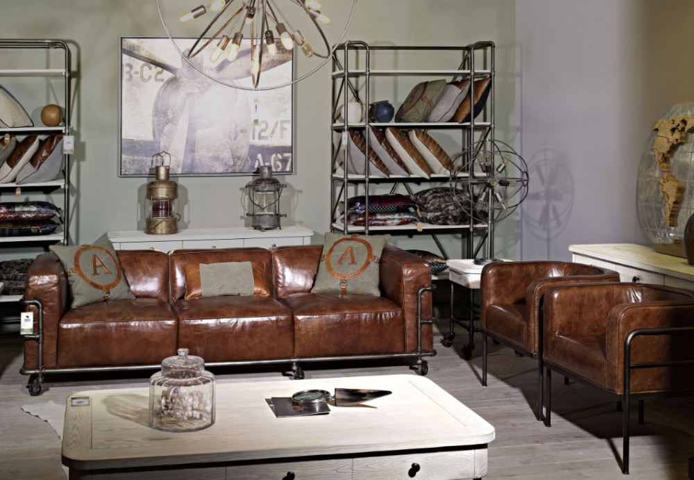 Industrial vintage leather le corbusier sofa set with - Canape cuir vintage club ...