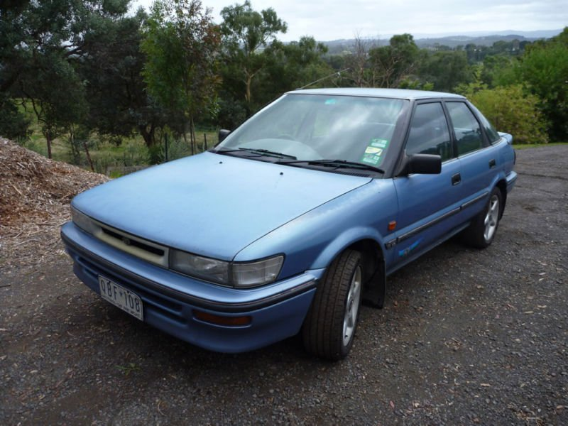 Toyota Corolla RV Seca (1994) 5D Liftback 5 SP Manual