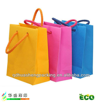 Colored Matte Paper Gift Bags With Rope Handle Custom Made Promotional Small Cardboard Ping Colorful
