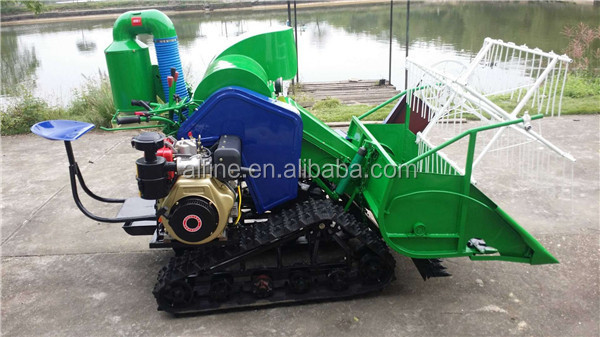 Alibaba wholesale high efficiency small combine harvester
